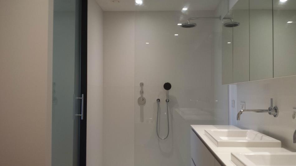 Badkamer Douchewand Glas : Douchewanden deuren vitrovan